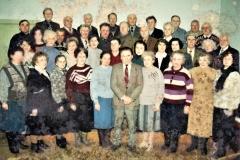 """Pirmas choro """"Diemedis"""" sąstatas. Vadovas Vaclovas Šablevičius stovi priekyje centre 1997 m."""