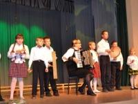 Krakių Mikalojaus Katkaus gimnazijos Meironiškių skyriaus vaikų kapela TARŠKUČIAI (vadovė Jurgita Vaitiekūnienė)