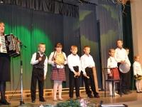 """""""Diemedį"""" žino ir jaunoji karta – per 15 metų jubiliejų choristams koncertavo vaikų ansamblis """"Tarškutis"""" iš Meironiškio (Krakių sen.)."""
