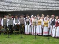 """Folkloro festivalyje """"Aš padainūsiu dainų dainelę"""" S. Stanevičiaus gimtinėje (Raseinių rajonas, Viduklės seniūnija, Kanopėnų kaimas). 2013"""