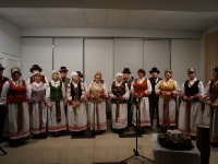 """Kėdainių kultūros centro folkloro ansamblio JORIJA (vadovė Regina Lukminienė) advento-Kalėdų laikotarpio programa """"Už girių girių ugnelė dega"""""""